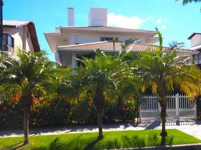 Photo for Comfort and tranquility in one of the best areas of Jurerê Internacional.