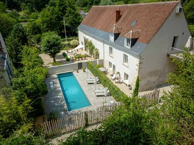 Photo for Flat with swimming pool in the Loire Valley near Amboise