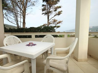 Photo for One bedroom apartment with terrace and sea view Stara Novalja (Pag)