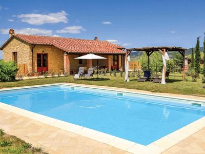 Photo for 4 bedroom Villa, sleeps 6 in Villamagna with Pool and WiFi
