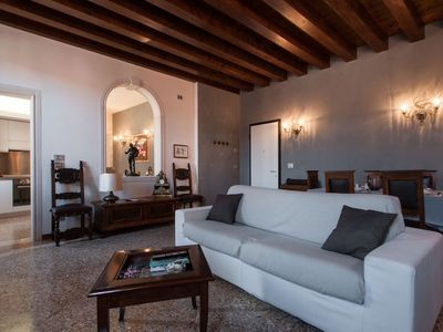 Photo for Cozy Venetian apartment 5 min from the Biennale and 10 min from San Marco.
