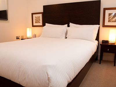 Photo for 1 Bed apartment, City, close to Tower Bridge (Minories)