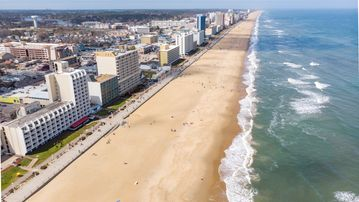 Amazing Newly Remodeled Oceanfront 3Rd Floor 2 Bedroom Condo On The Boardwalk Home Interior And Landscaping Eliaenasavecom