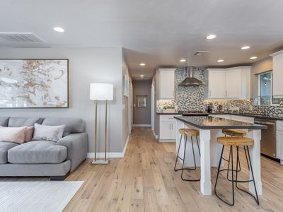 Photo for Tangerine Terrace: Brand-new Contemporary!