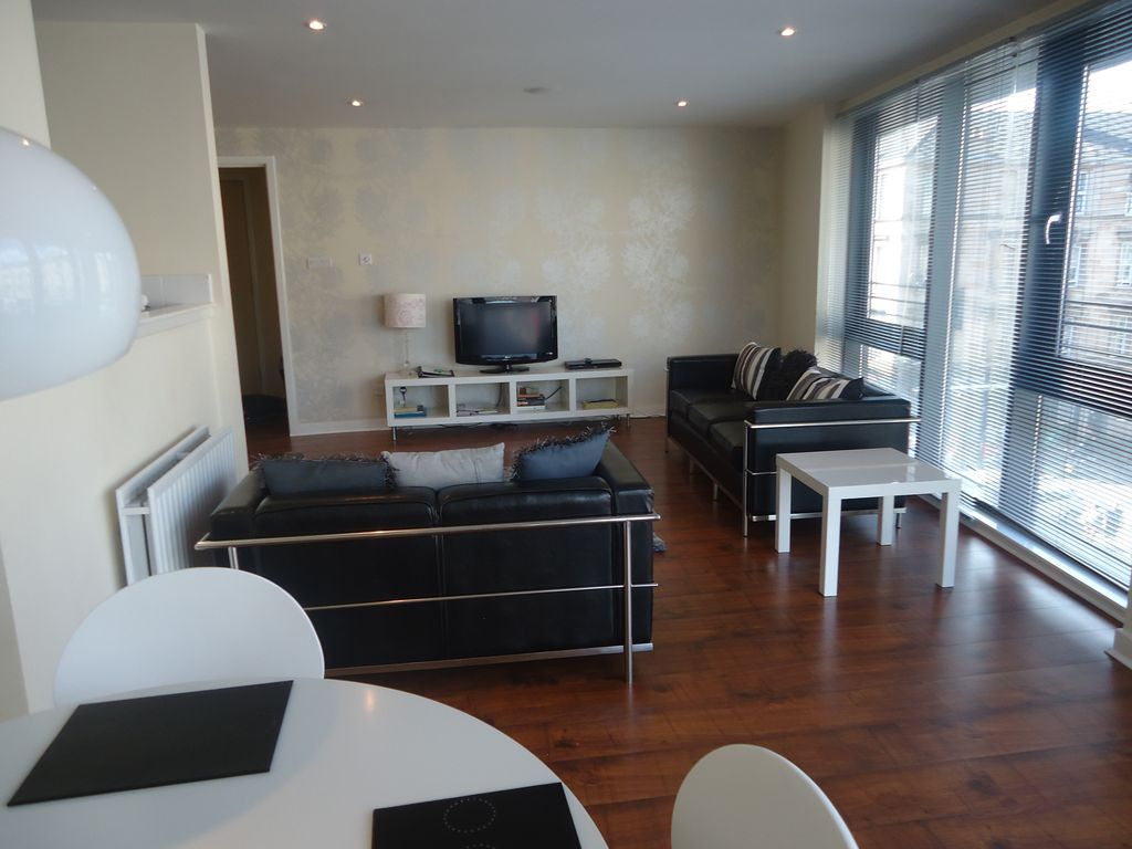 Living Room Furniture Glasgow Kelvingrove Apartment Lovely Apartment In Glasgow Great Central