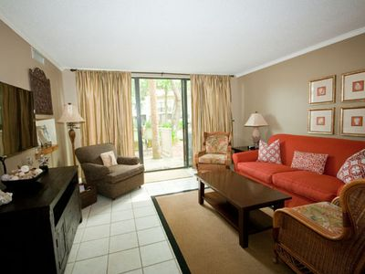 Beautifully Decorated, Relaxing Atmosphere - close to the beach and Coligny