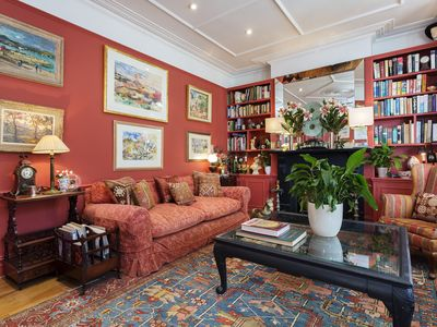 Photo for Traditional four bedroom home in comfortable Chiswick, Sleeps 8 - (Veeve)