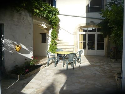 Photo for Village house of 170 m2 full of charm on 2 levels with courtyard and terrace