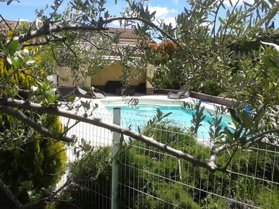 Photo for Villa 8 persons with pool between Aix, Luberon and Alpilles