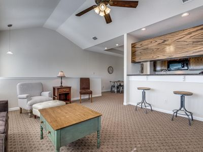 Perfectly nestled in between Gruene and Downtown New Braunfels.
