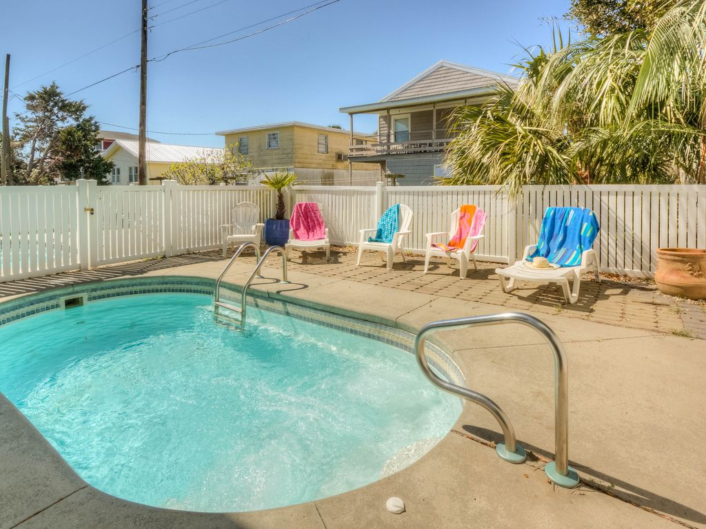 Kure Beach Holiday Condo 1 Cool Swimming Pool Dog Friendly Ocean