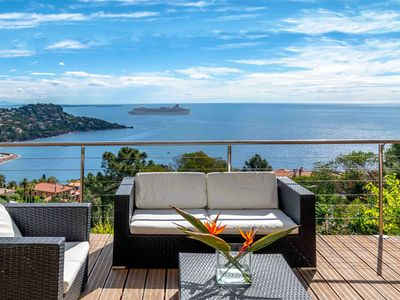 Photo for Lovely villa with dazzling seaviews not far from Cannes