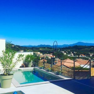 Photo for Exceptional villa with pool and views of vineyard and Mont Ventoux