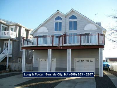 Photo for Great Location. Close to beach and town. Private Deck. Just a short walk to the beach and Boardwalk.