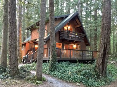 Photo for Glacier Springs Cabin #27 - BBQ - Pets Ok - WiFi - Sleeps 10