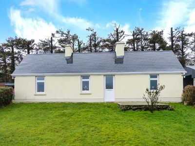 Photo for HEATHER COTTAGE, pet friendly in Rathmore, County Kerry, Ref 30870