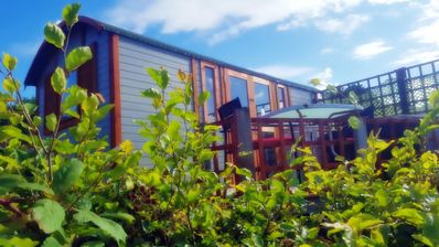 Photo for Daisy Den shepherds hut with hot tub