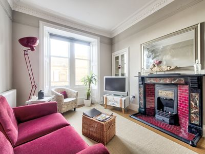 Photo for Homely 2 Bedroom Apartment, Close To City Centre