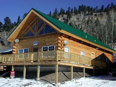 Photo for Luxury Mountain Cabin-Convenient Location, Lots of Parking, Wi-Fi, Fire pit!