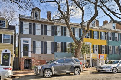 You'll be 2 blocks from King St., 4 blocks from the river, and 8 miles to DC!