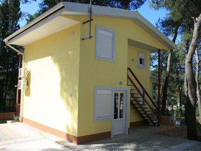 Photo for One bedroom apartment with balcony Vrboska, Hvar (A-13931-a)