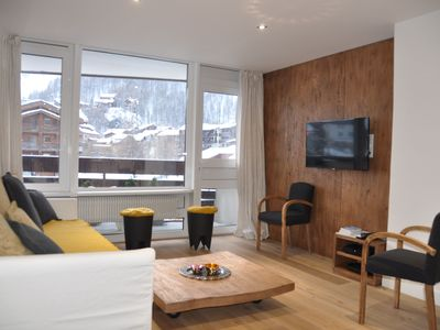 Photo for Val d'Isère center: 2 rooms + cabin - 6 pers - Standing - Very recent
