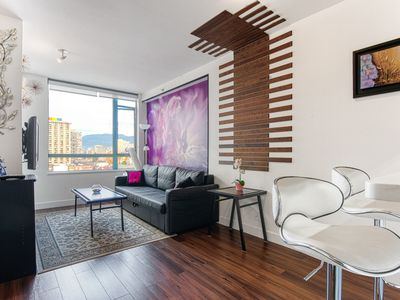 Photo for Downtown 1BR + Den. Beautiful Views. Free parking