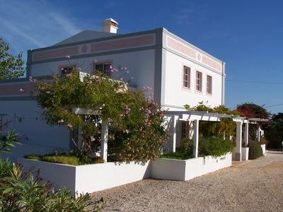 Photo for Villa. Algarve, Portugal .Private pool. Near beaches, golf, shops, restaurants.