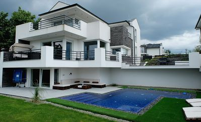 Photo for PRIVATE Family VILLA with jakuzzi & swimming pool