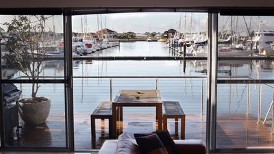 Photo for REFLECTIONS ON MARINA - Waters Edge