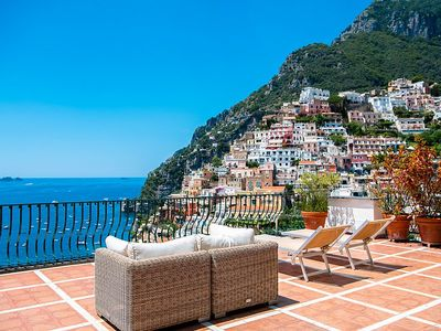 Photo for Villa Faustina F: A bright and cheerful apartment located in the center of Positano.