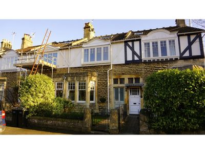 Photo for Charming, Spacious 3-br Home for 6 in Central Bath