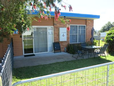 Sunny self contained unit, wheelchair friendly, pet friendly