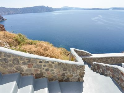 Photo for 1BR Apartment Vacation Rental in Santorini, Egeo