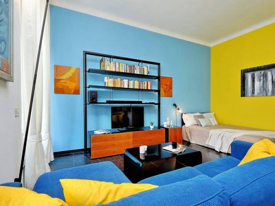 Photo for Spacious City Life House apartment in Fiera with WiFi & air conditioning.