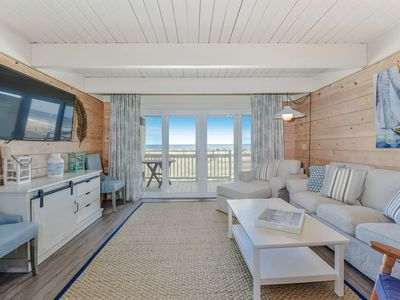 New Listing! Modern, Spacious Oceanfront Townhome Sleeps 10