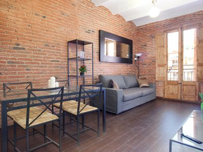 Photo for 2-bedroom apartment near Sagrada Familia