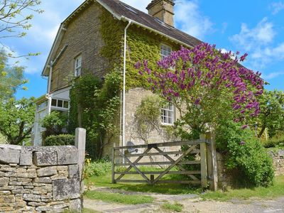 Photo for 3 bedroom property in Chipping Norton. Pet friendly.