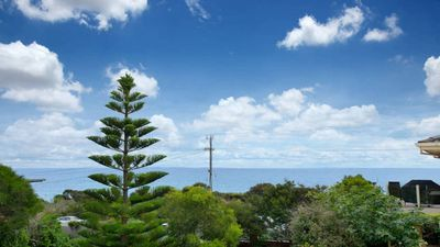 Photo for Gorgeous Sea Views on the Esplanade, across road from beach, walk to Main st