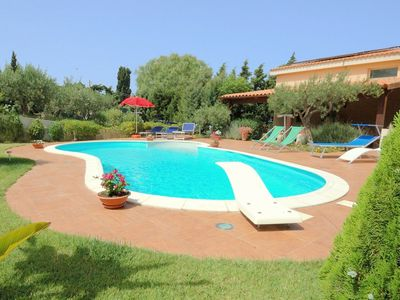 Photo for Charming house with private pool in a beautiful area