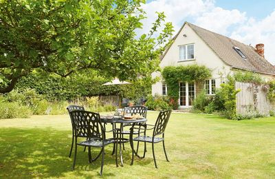 Photo for Moore Cottage is situated in a beautiful part of the Cotswolds and surrounded by amazing sights.