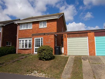Photo for A modern four bedroom detached property situated in a great location.