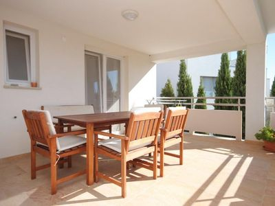 Photo for Two bedroom apartment with terrace Medulin