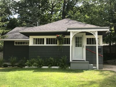 Beach Bungalow in Historic Bluffton between the lakes