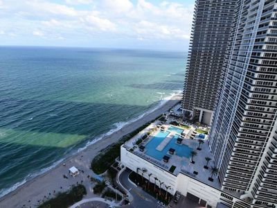 Photo for Oceanfront & Bay View 2 Bed 2 Bath @ Hyde Resort