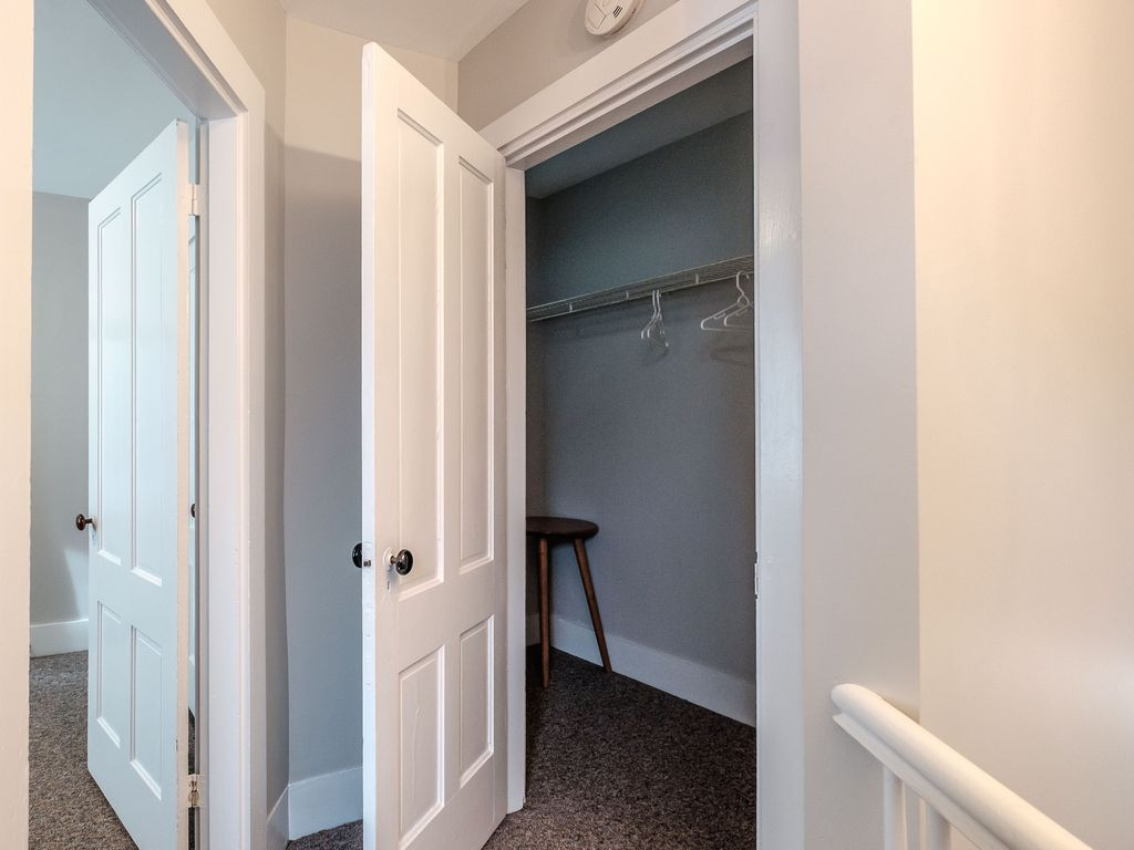 2 Bedroom Apartment Unit In Portland\'s Historic West End ...
