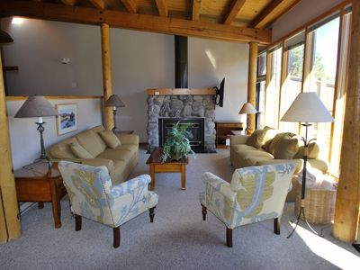 Photo for LOVELY AND SPACIOUS, FREE SHUTTLE, KING BED, POOL/JACUZZI, MTN. VIEWS, FIREPLACE