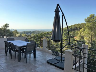 Photo for NEW lower rate! Near Aix: Family-friendly villa with pool & stunning views
