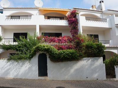 Photo for Townhouse with Sea Views and Beach 3 mins walk. Free Wi-Fi, Garden & BBQ