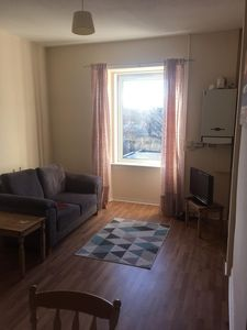 Photo for Cosy newly refurbished 1 bedroom apartment 15 min from city centre